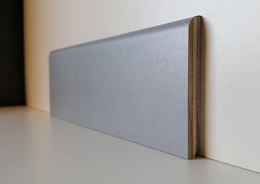 battiscopa-alluminio-in-multistrato-impiallacciato-carta-decoro-modena