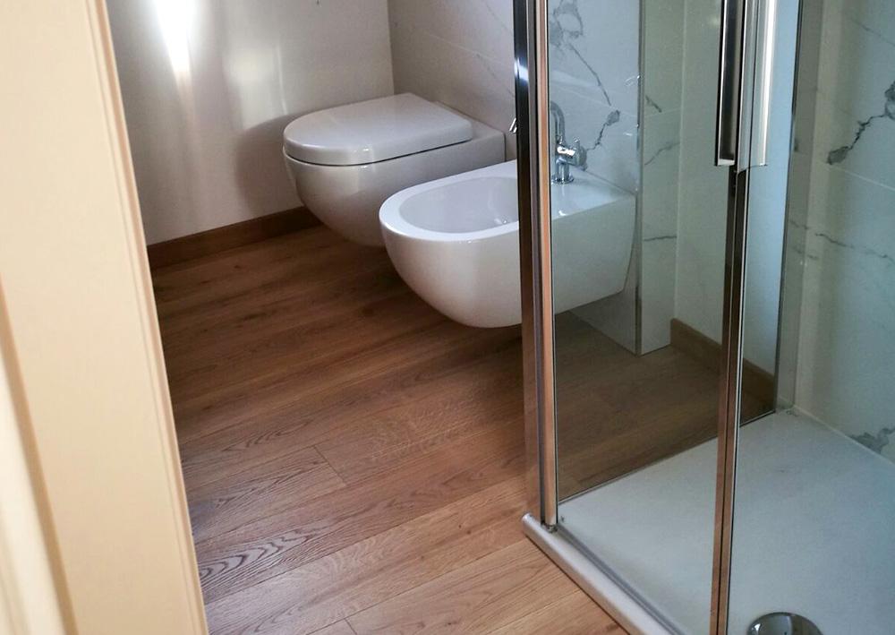 pavimento-legno-bagno-modena